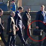 Телохранителот на Путин не ја испушта од рака – што има во црната автовка?
