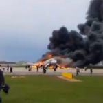 Се запали авион на Шереметјево, шестмина повредени