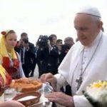 Има едно белодробно крило, работел како исфрлувач во клуб, сака танго – факти за папата