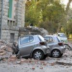 Затрупани возила, распукани ѕидови: Вака изгледа Драч по земјотресот (ФОТО)