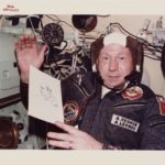 Почина човекот кој прв прошетал низ вселената