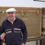Пензионери во стар сандак чувале пченка за кокошките, не знаеле дека вреди богатство (Видео)