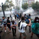 Силен земјотрес го погоди Чиле додека илјадници протестираа – потресот снимен со камера (ВИДЕО)