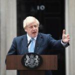 Џонсон размислува за повторно воведување карантин во Велика Британија