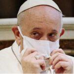 Папата прв пат се појави со маска, од младоста бил без едно белодробно крило