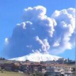 Еруптира вулканот Етна во Италија